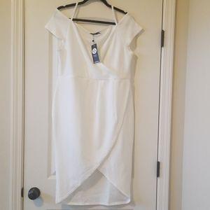 boohoo plus bodycon wrap dress - ivory / off-white